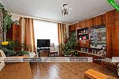 Зал - двухкомнатная квартира в Орджоникидзе