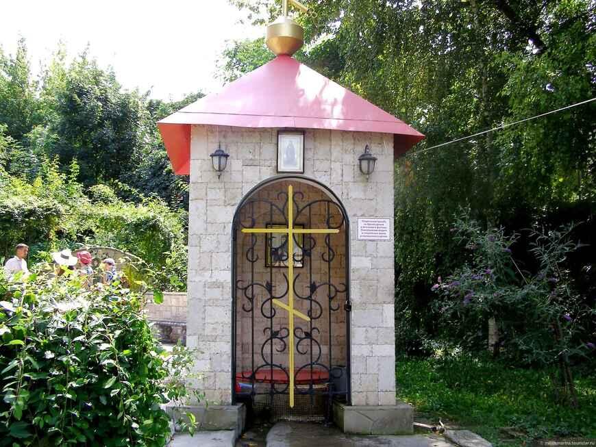 Топловский Свято-Троице Параскевиевский монастырь (1 фото)