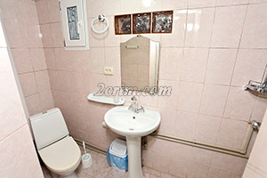 4х местный номер со всеми удобствами(санузел) в Гостевом доме Крымский кораблик.