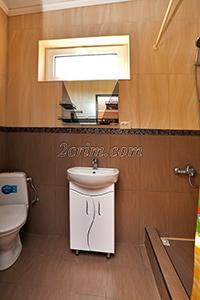 Четырехместный номер с санузлом и кухней в Гостевом доме Крымский кораблик.