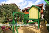 Детская площадка в мини-отеле Магнолия в Орджоникидзе
