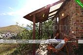 Кресла при входе - Эксклюзивные домики в Орджоникидзе.