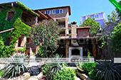 Общий вид гостевого дома Каскад