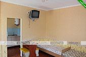Четырехместный номер на первом этаже - коттедж на Морской 10 в Орджоникидзе