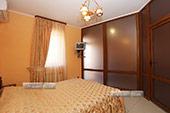 Спальня в номере на первом этаже эллинга 28